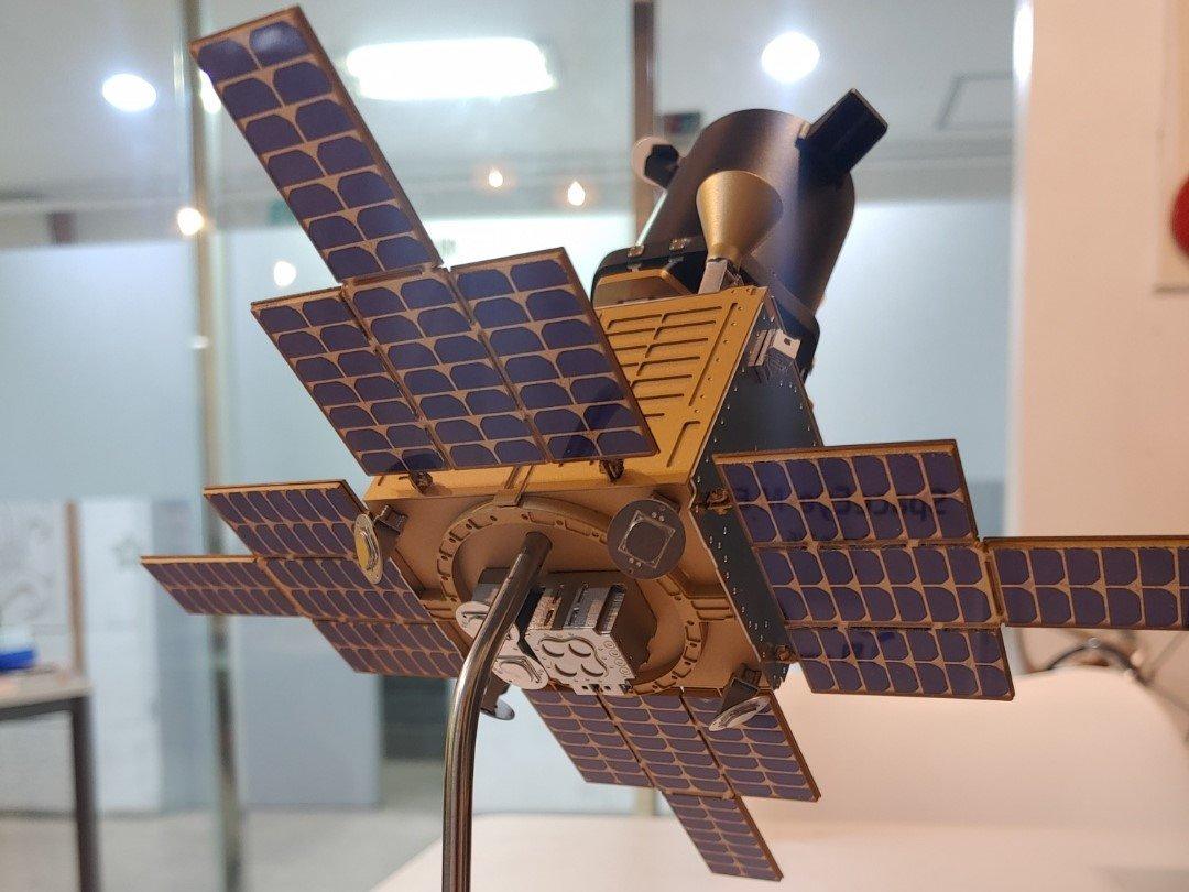 인공 위성 모형