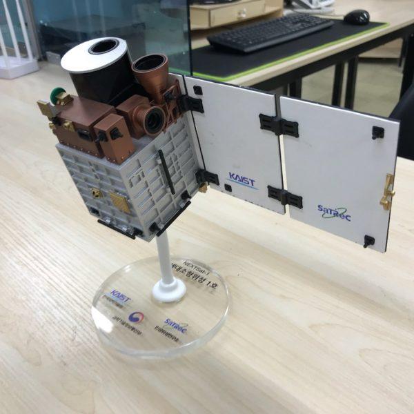 위성 모형 제작 사례